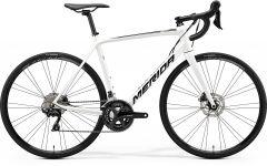 Bicicleta MERIDA Scultura Disc 400 XS Alb|Negru 2020